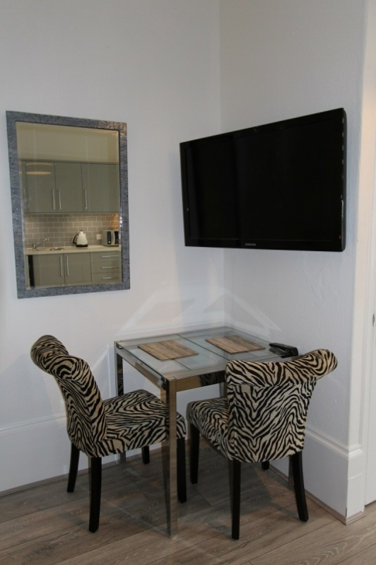 54BR1 Table and TV